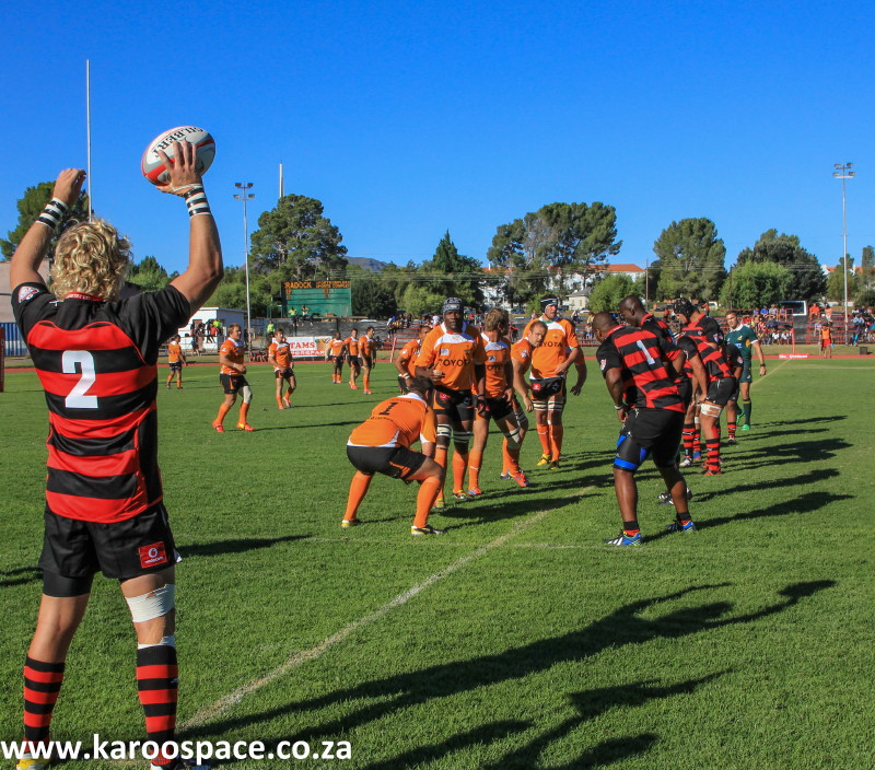 EP Kings throw-in during their match against the Cheetahs.